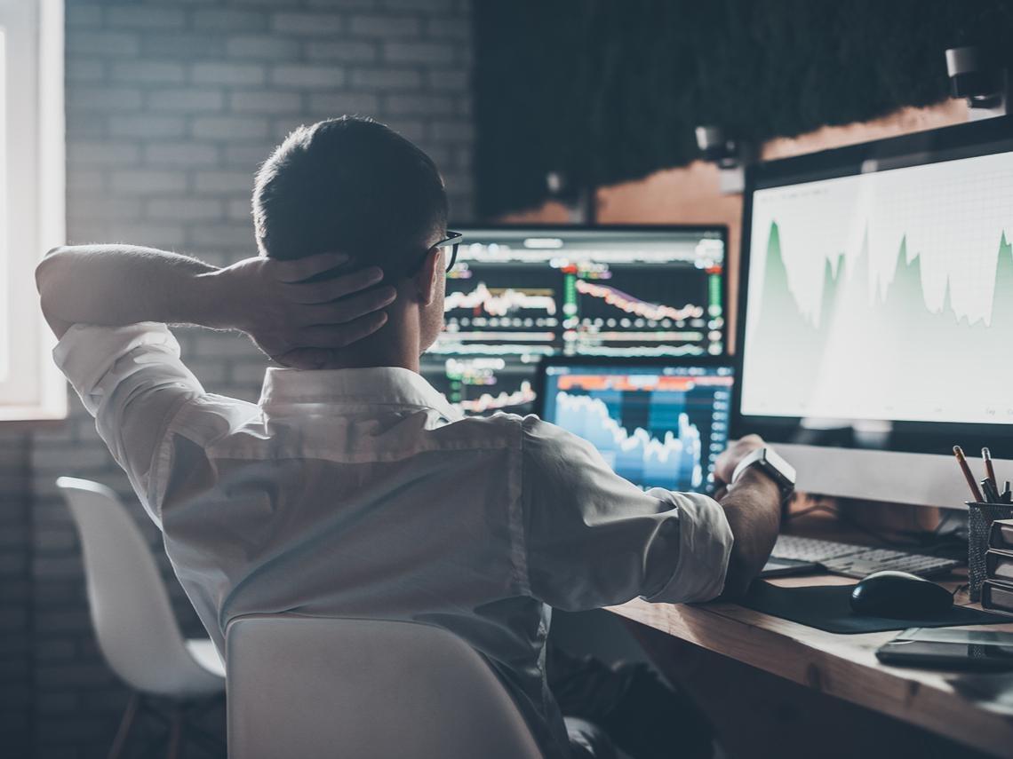 不要被股市賠錢嚇傻了!40歲就財務自由...分析師投資秘訣:虧損分2種,第1種要繼續前進