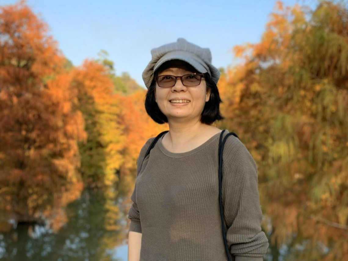40歲大關前,經歷妹妹中風、父親癌末,她從記者轉做諮商心理師─林靜君專訪(上)