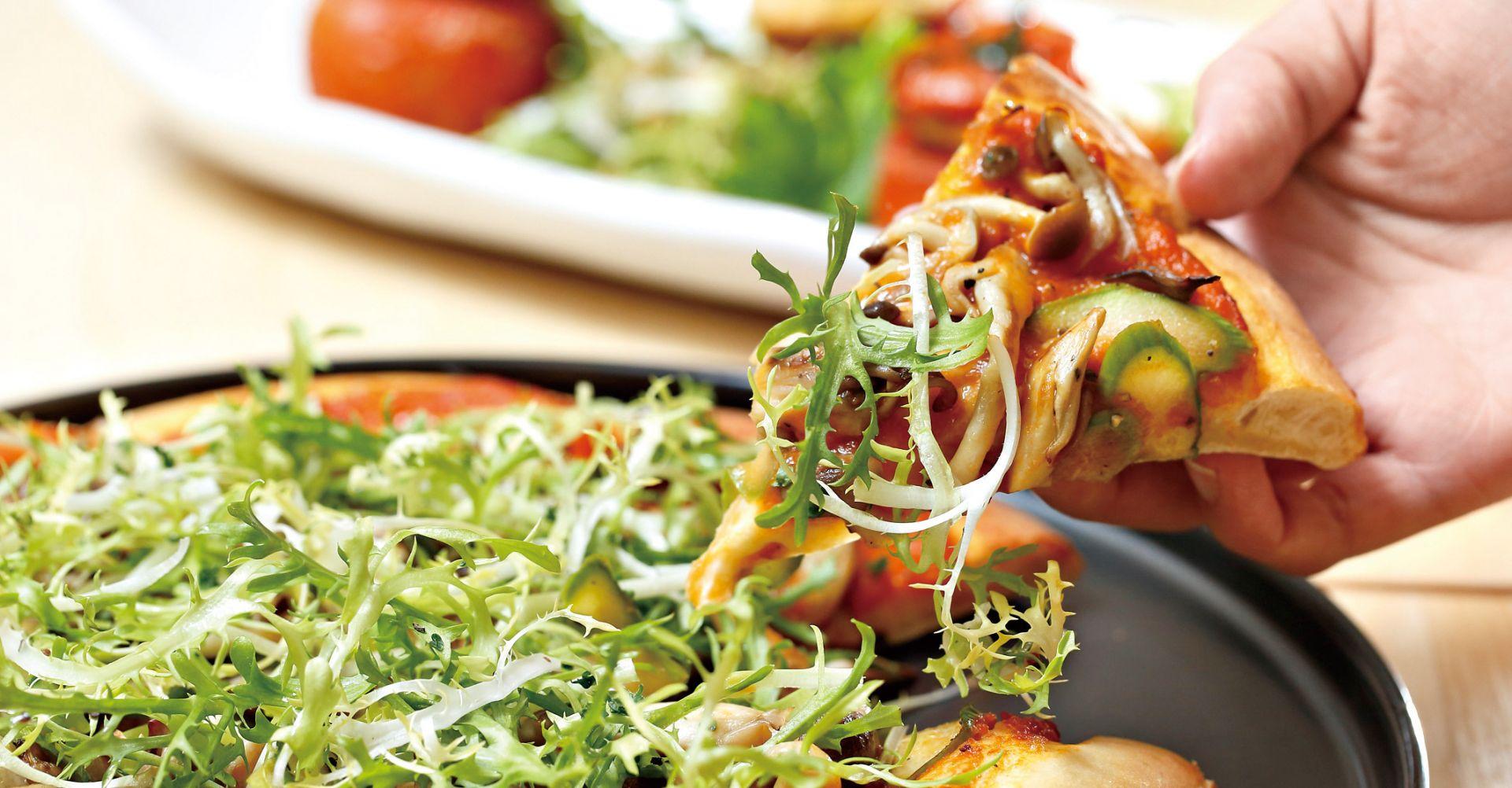 辣味棕醬野菇披薩