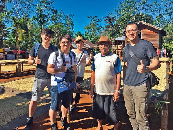 黃銘賢到寮國找咖啡豆