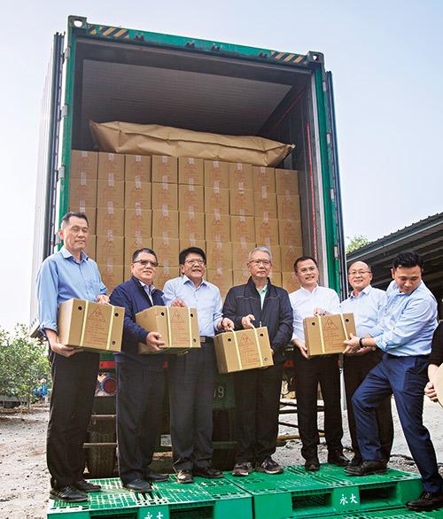 潘孟安幫助農民把屏東檸檬賣到中國