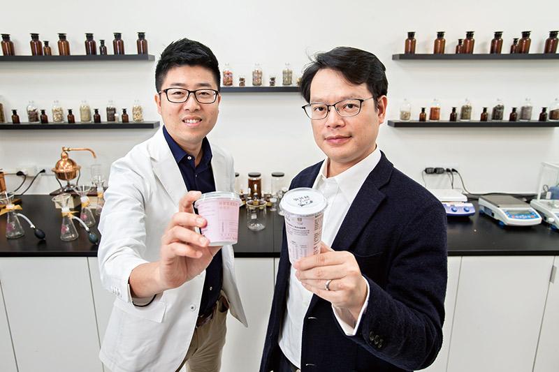 廖偉傑(右)、龔建嘉(左)