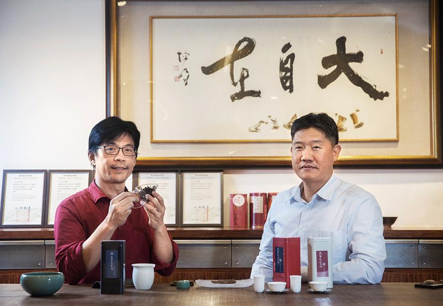 鄧啟民(右)、徐友富(左)