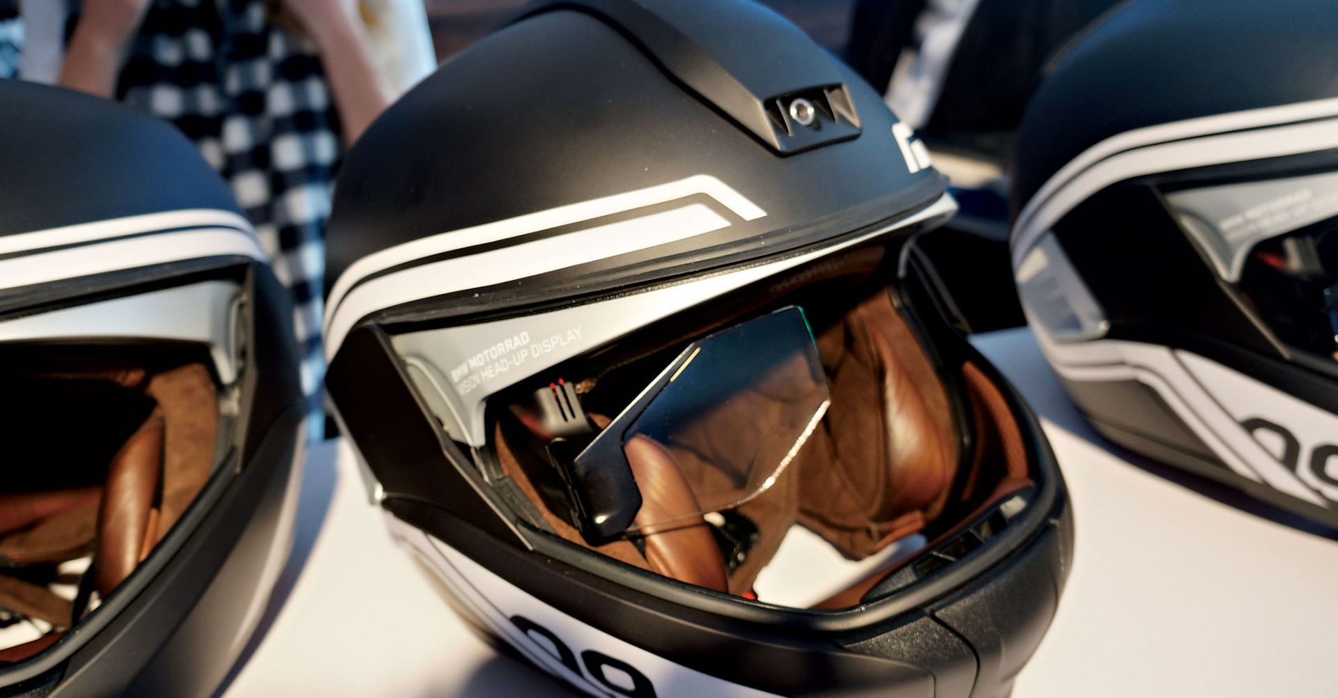 BMW智慧安全帽