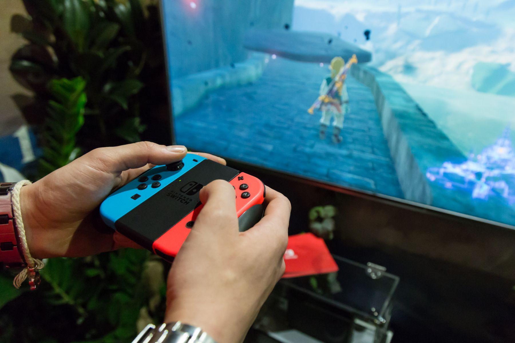 破美國遊戲機史銷售記錄 網友:任天堂Switch是遊戲機的未來