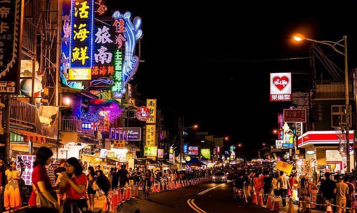 就愛去墾丁!老外4個月刷了1.5億台灣人看傻