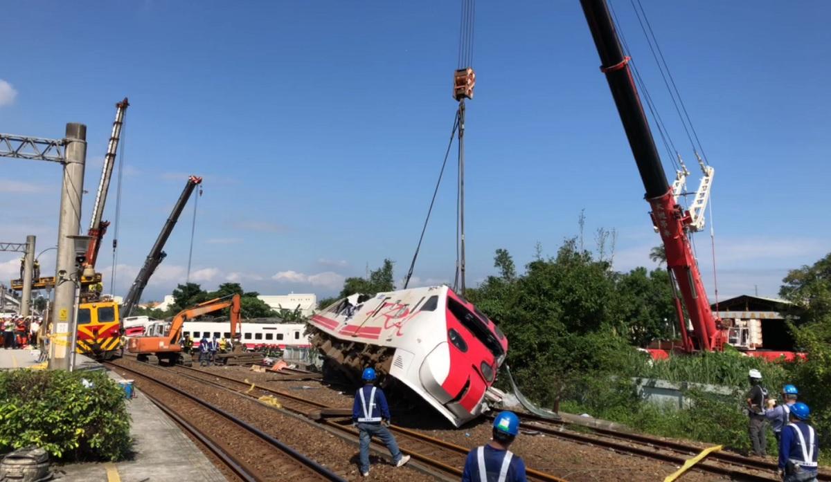 普悠瑪翻車意外滿月 健保署提對台鐵代位求償千萬