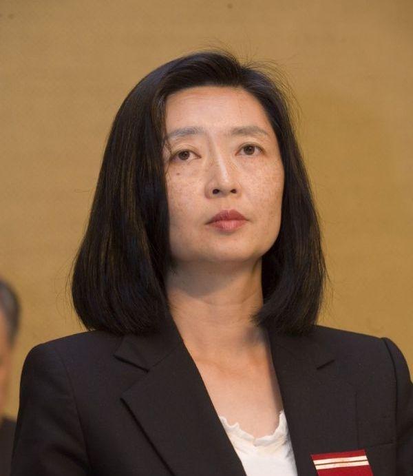 台塑副總裁王瑞華驚爆婚變 夫楊定一3校董事長職務恐被撤
