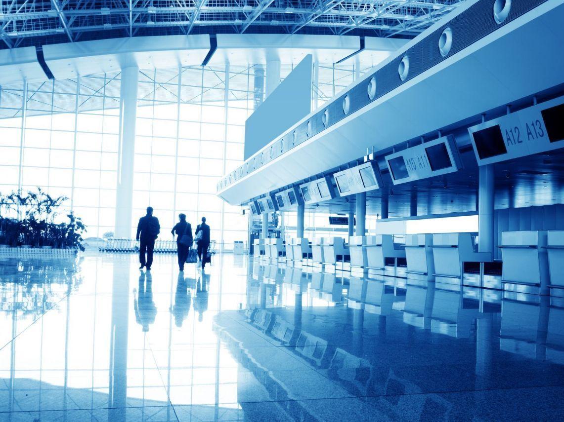 遇到航空公司罷工怎麼辦?一張圖秒懂15家旅遊不便險賠不賠!