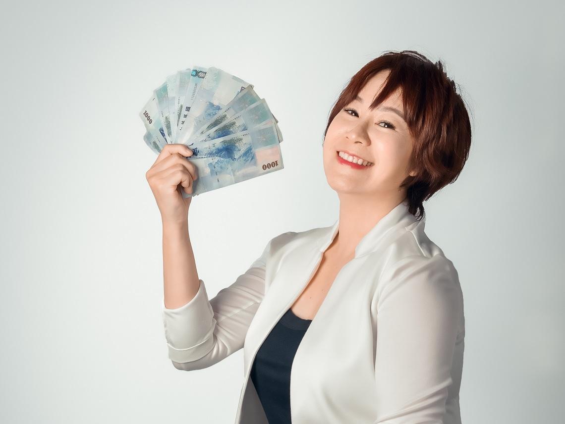 憑直覺投資慘賠500萬!平凡媽選股2心法 月光族翻身千萬富婆