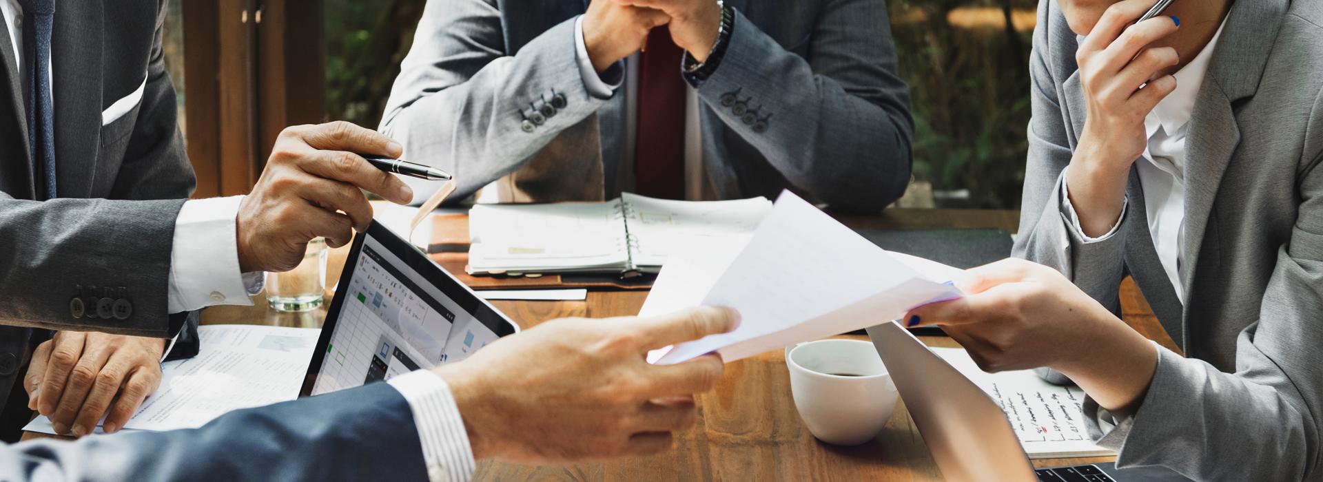 強化現場顧客的接觸點,廢除會議制度