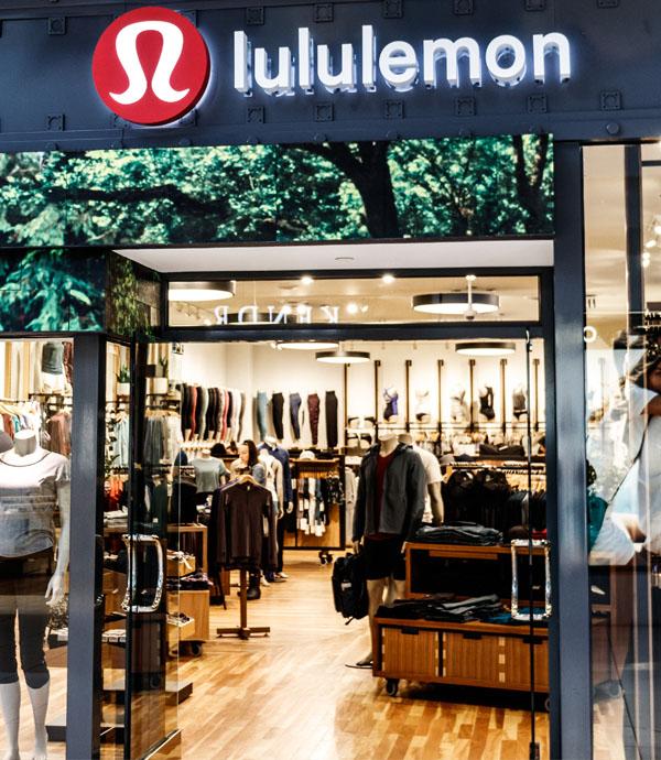 不只賣瑜伽褲,更賣瑜伽的美好體驗!看Lululemon如何深耕在地社區,打造出性能、體驗都一流的瑜伽品牌