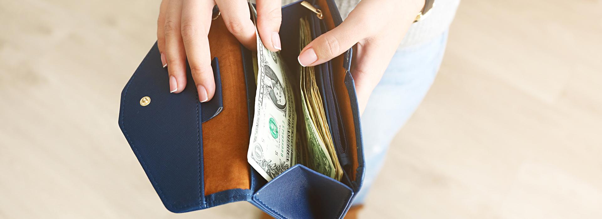 搶救低薪有解?政府發給年輕人40萬,救得了他們的未來嗎?