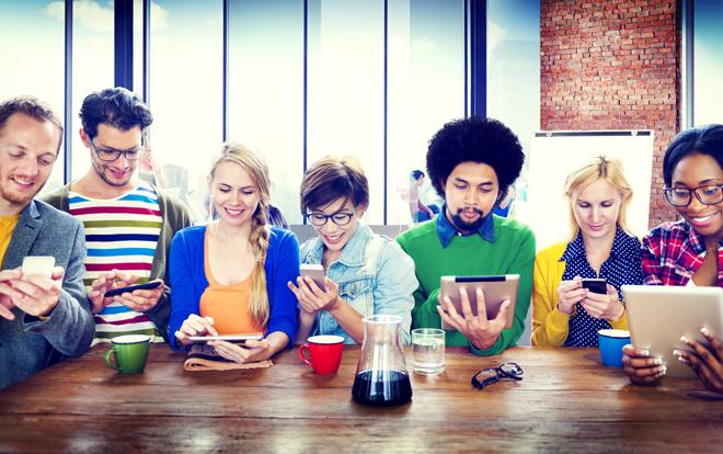 FB、IG…愈來愈多社交工具出現後,我們更擅長「溝通」了嗎?