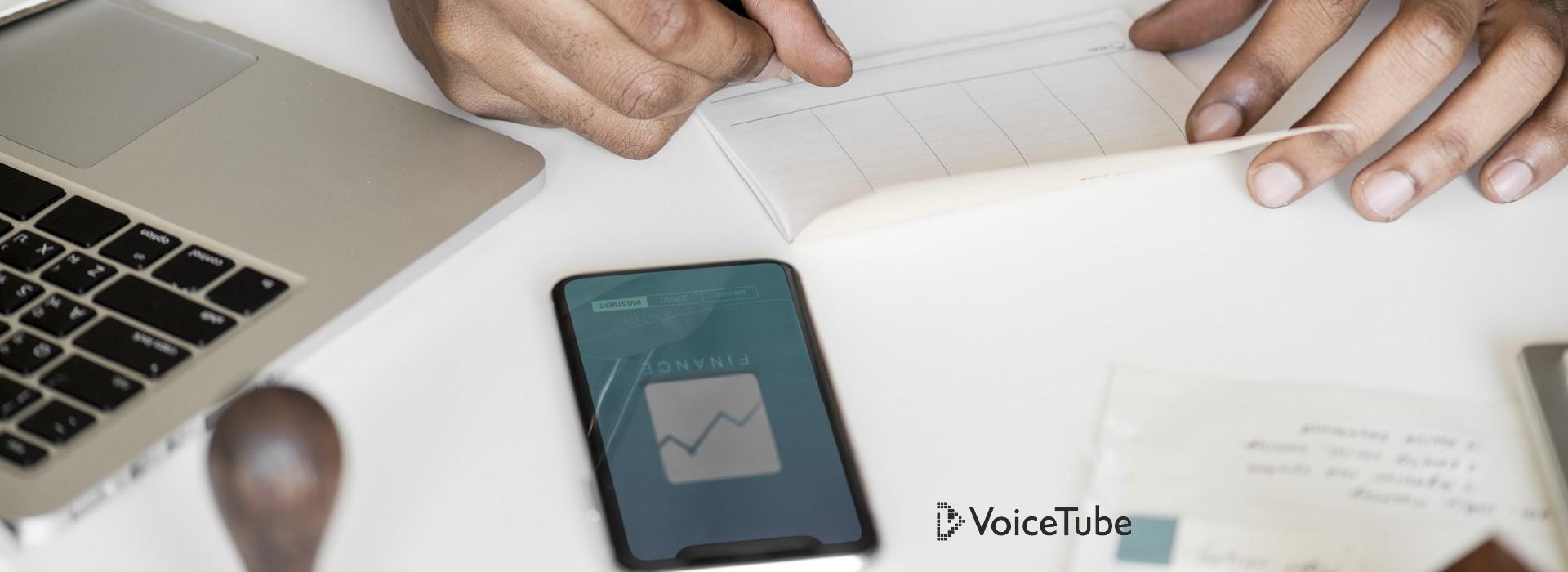 「行動數據」、「桌布背景」怎麼說?8 個手機英文用法