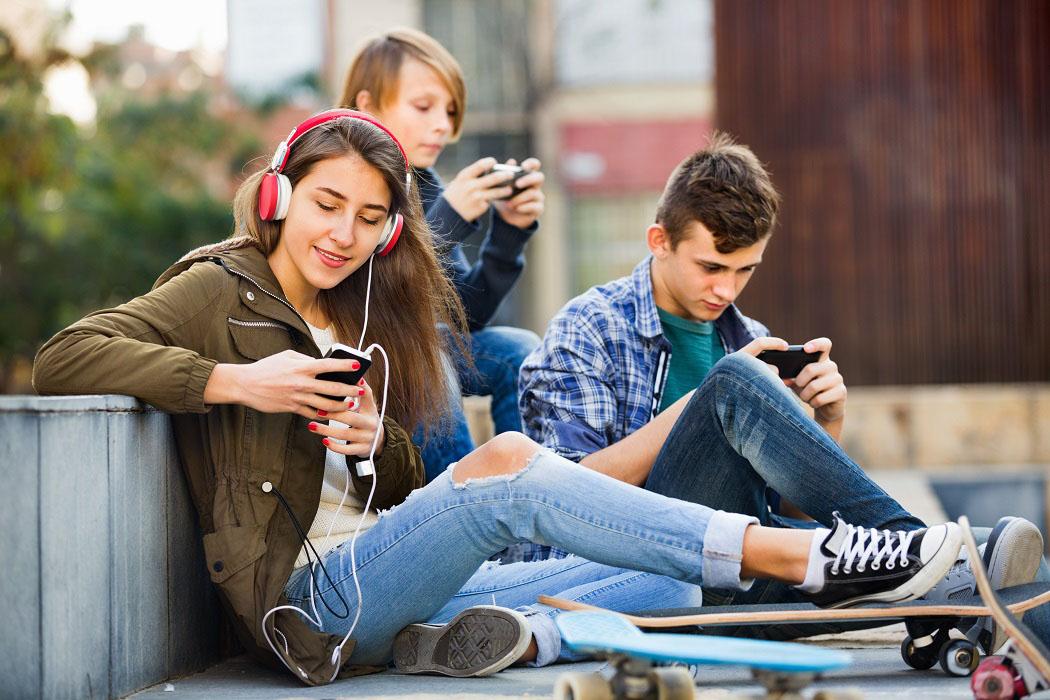 夏韻芬:年輕人沒存20萬元,憑什麼買iPhone?