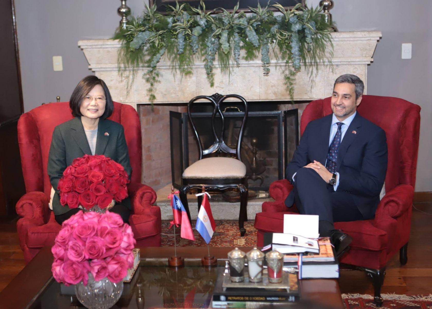蔡英文出訪巴拉圭被稱「中國台灣總統」?外交部回應了