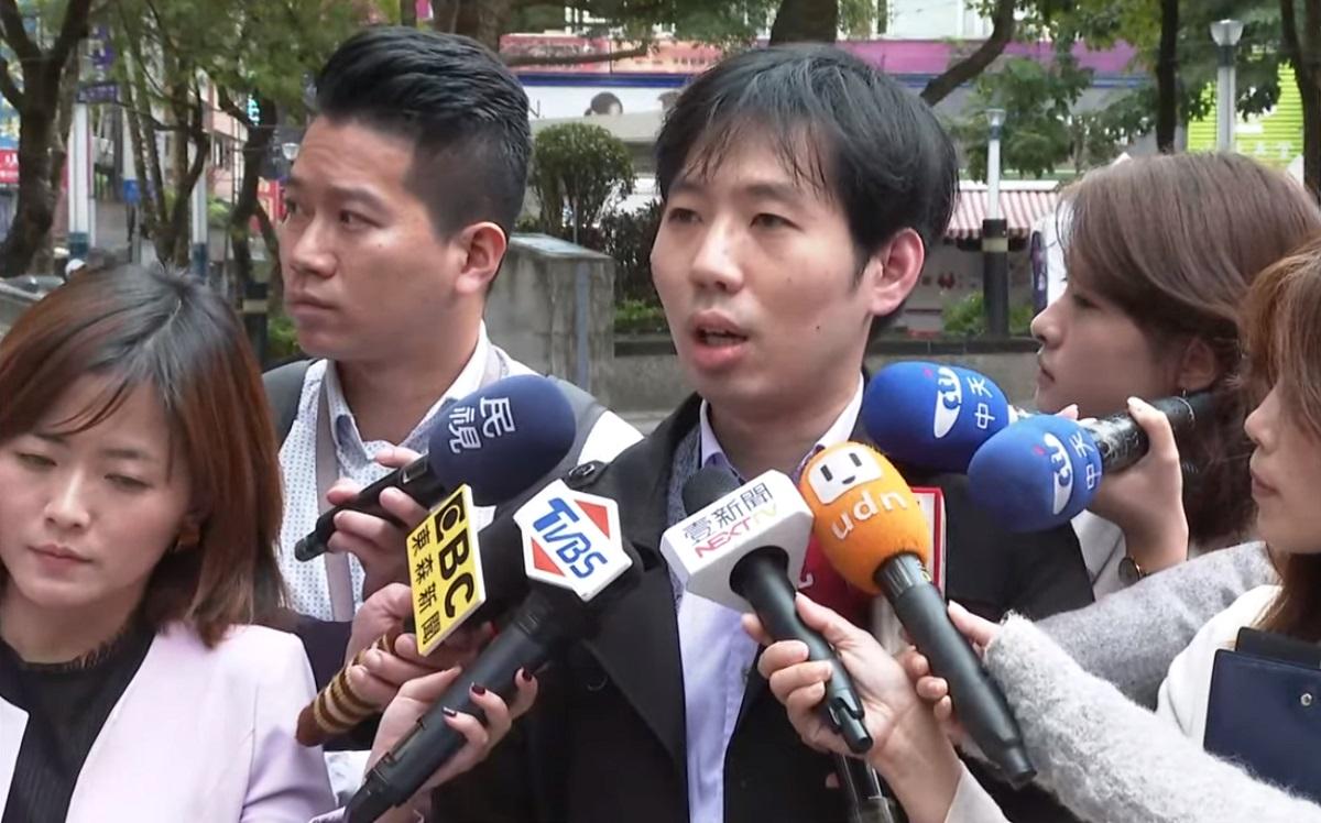 韓國瑜抱女嬰親吻頭部惹議 女嬰父親及醫師都說話了