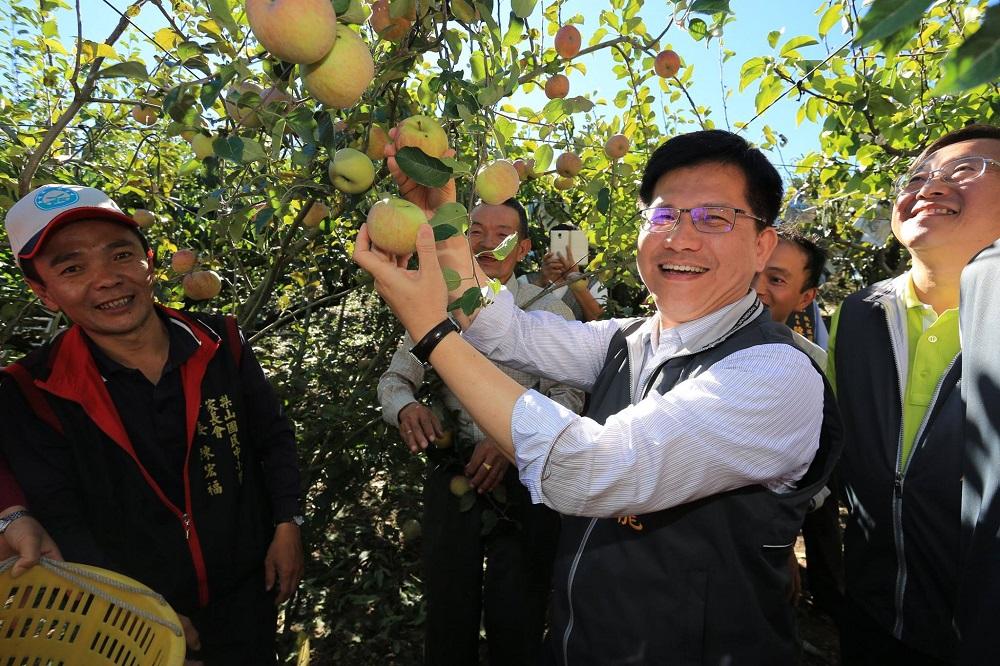 林佳龍協調假日配送農產 物流司機怒:當司機不是人?