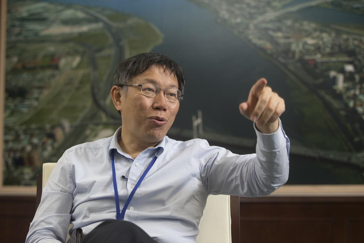 柯文哲撿到槍!評韓國瑜「好可怕」又轟:水準沒那麼高,讀的書只夠做北農董事長