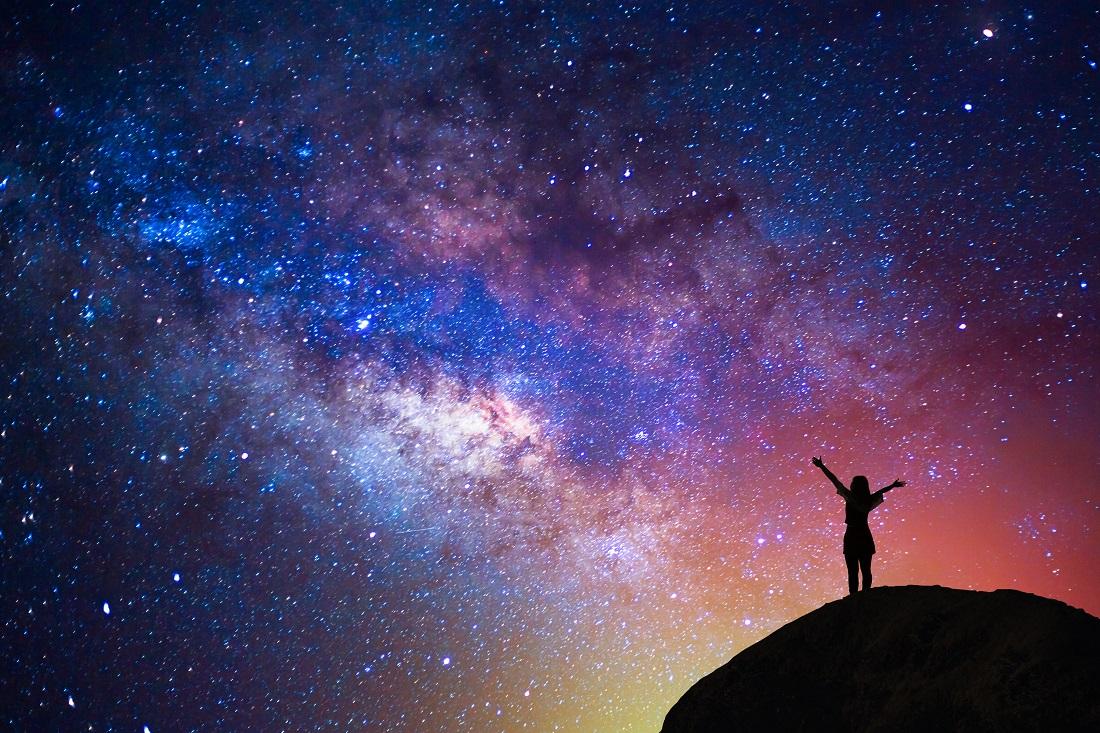 原來宇宙中存在著一個「永恆觀察者」!