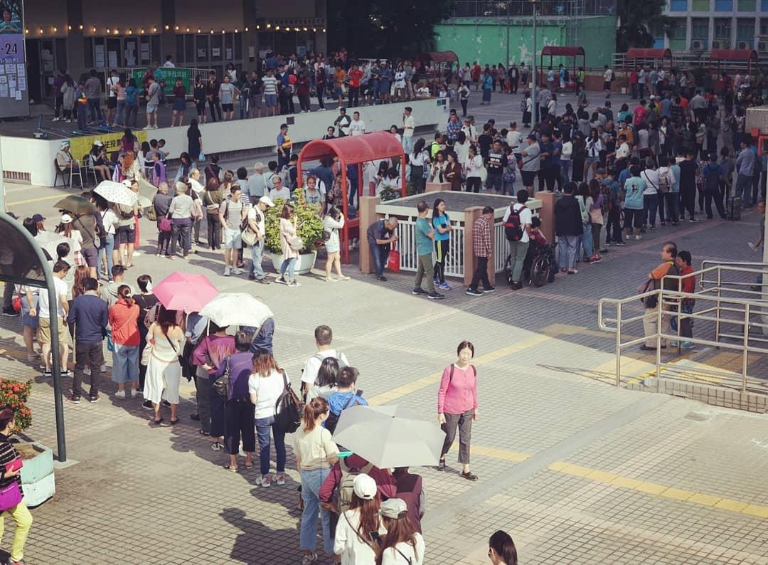 反送中抗爭催出驚人投票率!香港區議會選舉 已超過215萬人投票