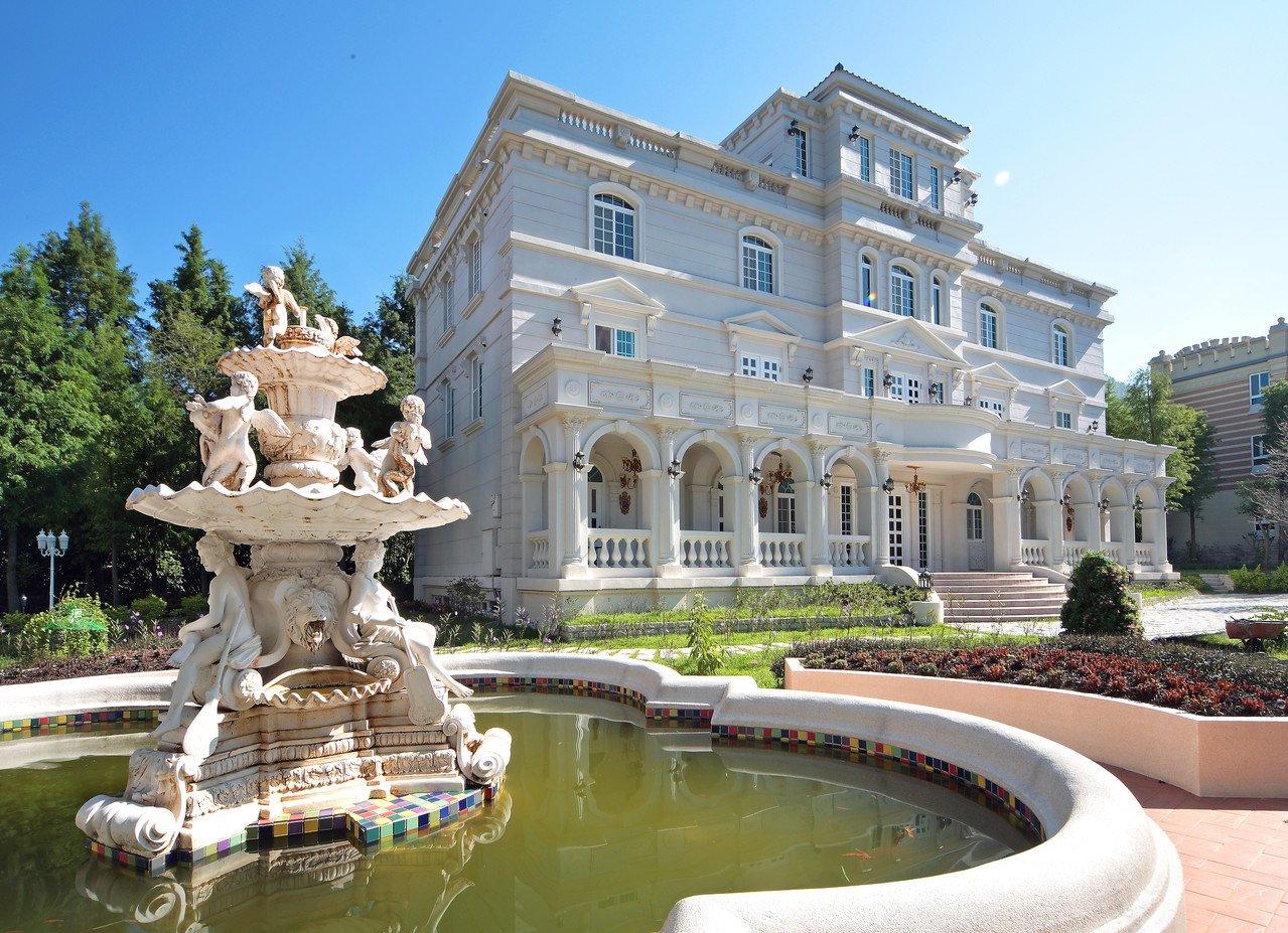 南投縣埔里歐莉葉荷城堡是由歐風建築及花園造景所組成的超夢幻莊園,是IG打卡熱點。圖/聯合報系資料照,歐莉葉荷城堡提供