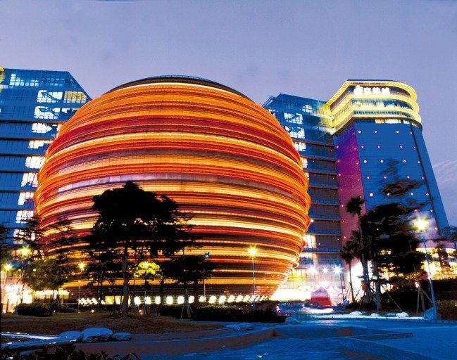 流標三次又標回京華城 威京小沈「一箭三雕」打什麼盤算?