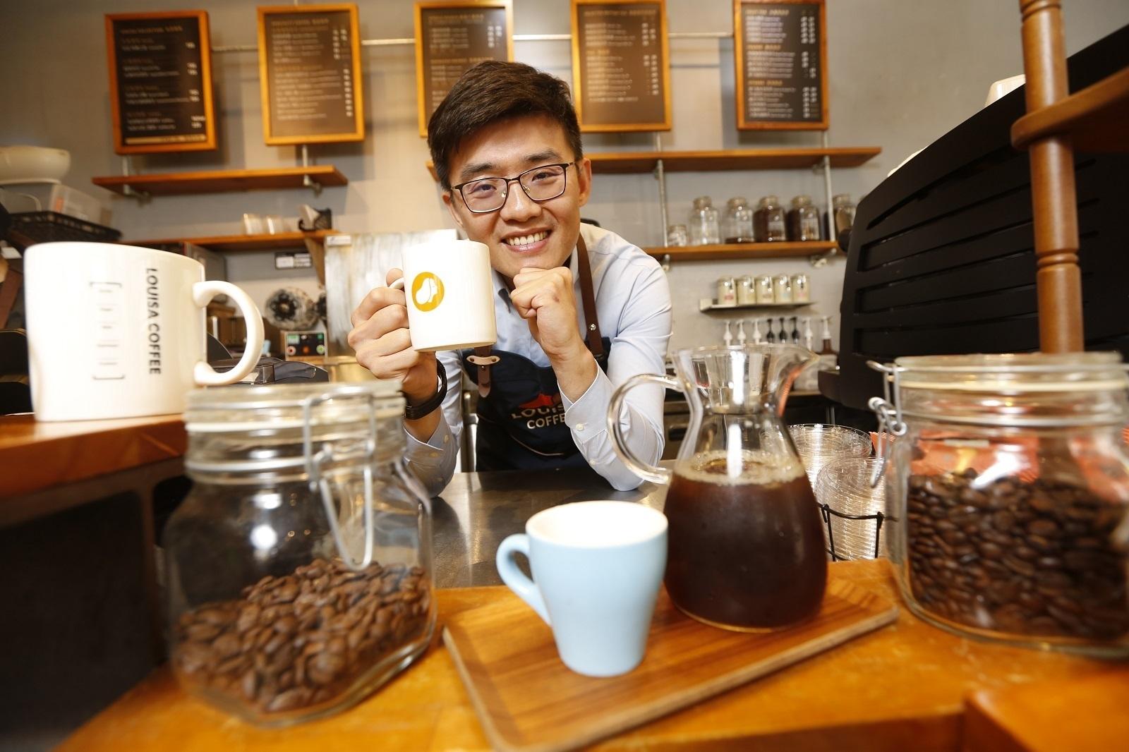 路易莎咖啡必點飲品?「黑糖雪點奶茶」月銷12萬杯的秘密曝光!
