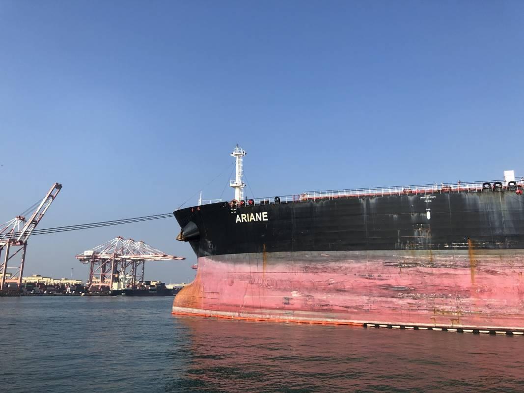 中油查德礦區九十五萬桶原油入港 未來可日產近萬桶
