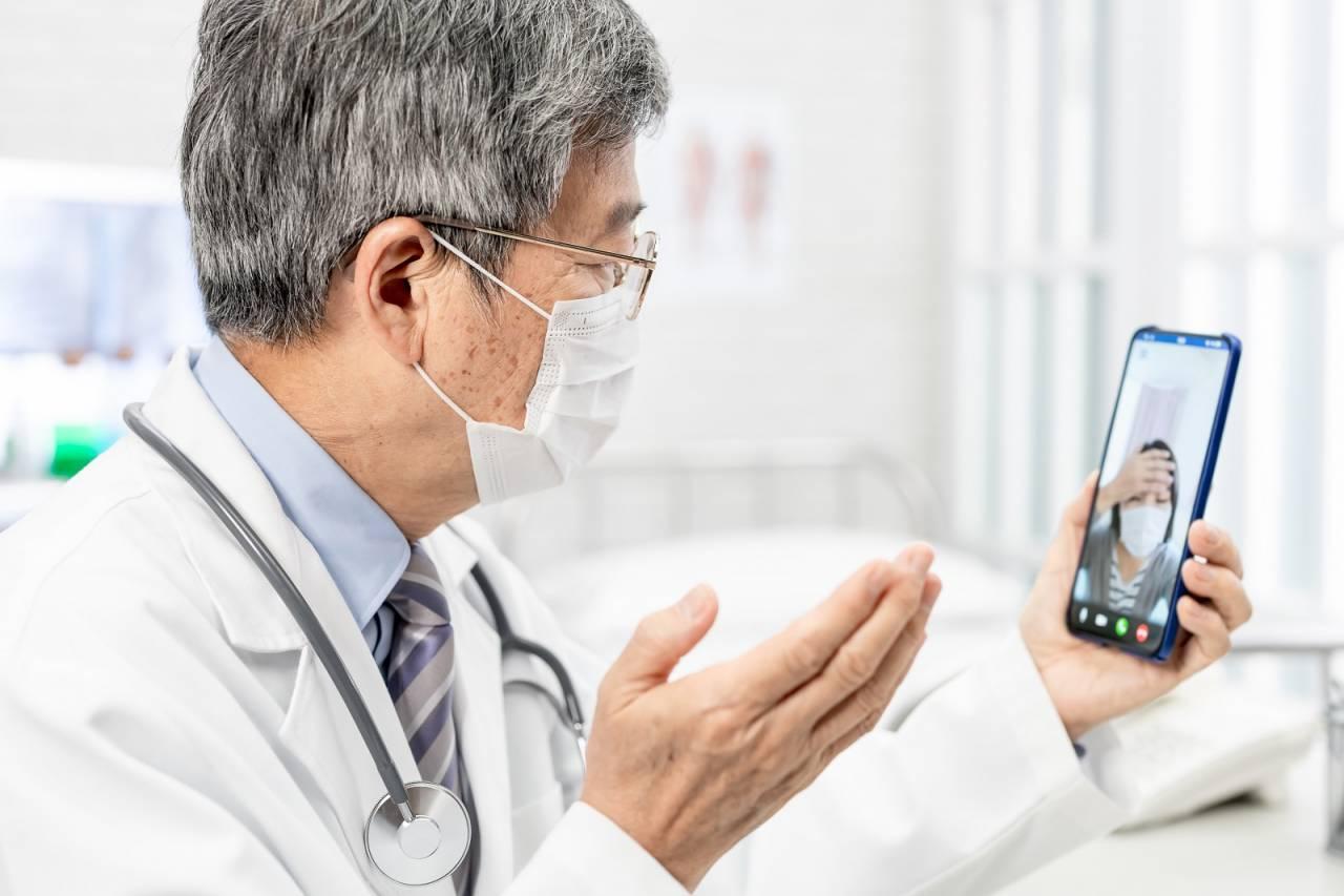 同島一命!全台中醫成立「防疫醫療國家隊」 7500名中醫師免費諮詢、視訊就醫
