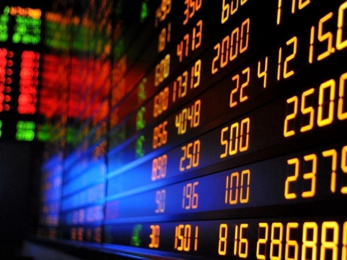 比特幣狂崩引殺機 道瓊期指大跌300點 美股今晚不妙