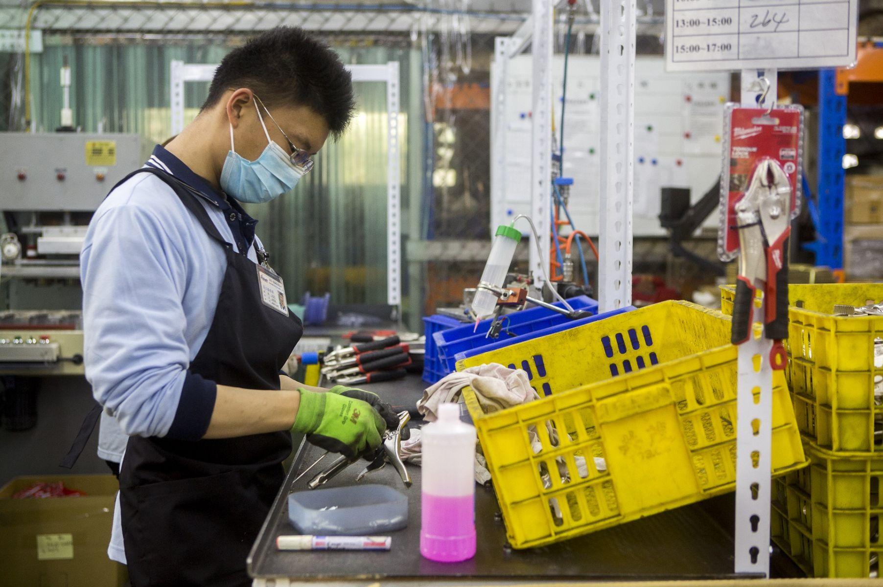 符合勞基法就好 學者直指台灣雇主心態太消極