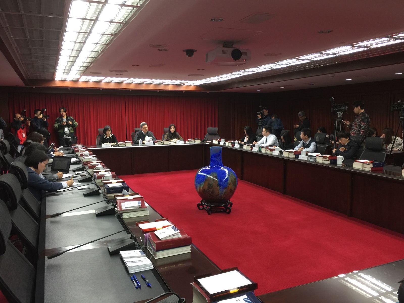 衛生紙齊喊漲掀搶購潮 公平會警告業者:觸犯聯合行為