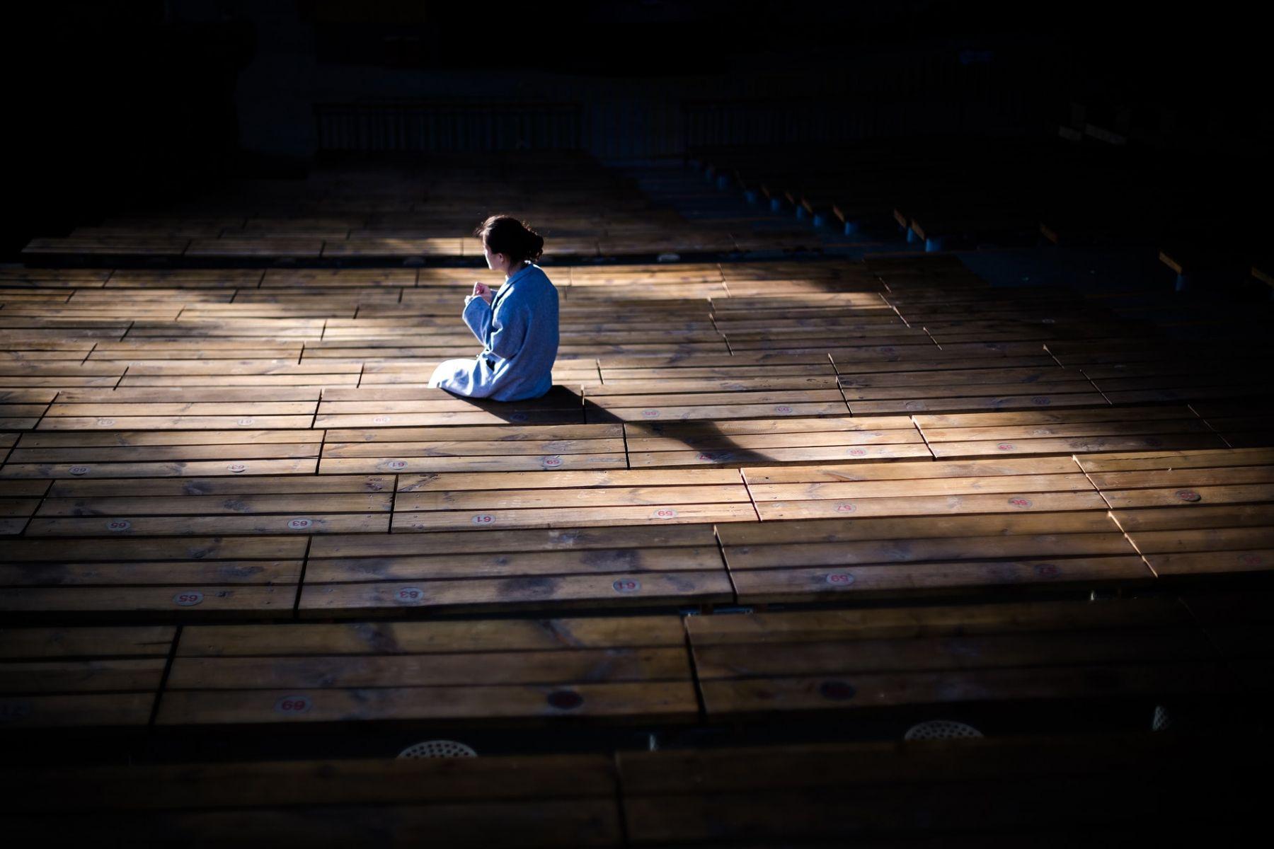 孤單是人生難以承受的輕!給中年女人的一封生命情書