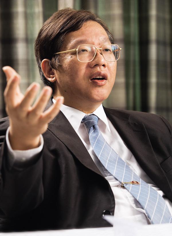 台大經濟系教授 林建甫