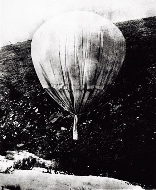 太平洋戰爭結束前,日本想出用氣球裝載炸彈襲擊美國。