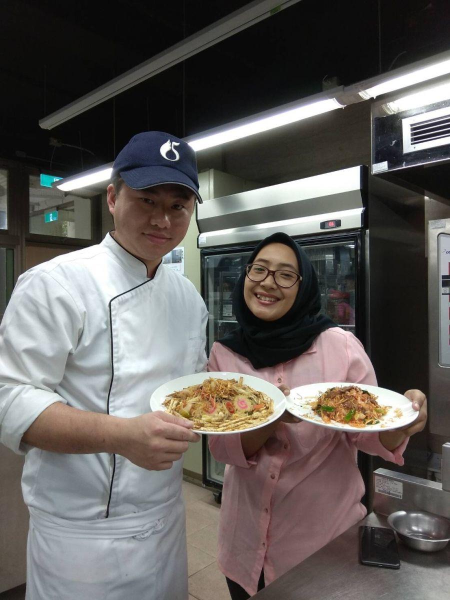 蘇米塔MIFTA於餐飲管理系餐飲外國青年短期技術訓練班學習中式烹飪