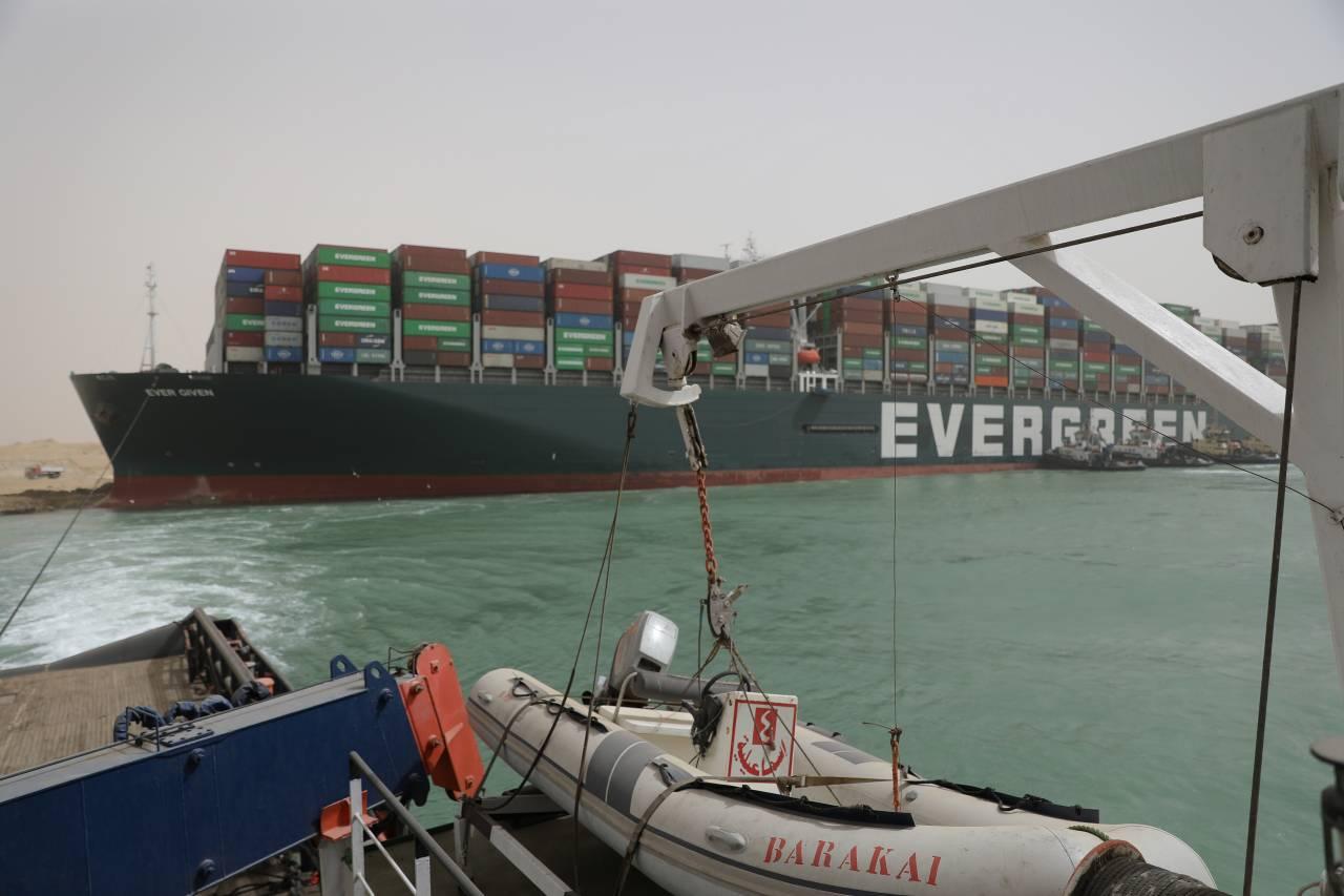 「卡船」梗圖點出台灣50年變化 長榮貨輪堵住蘇伊士運河 5個Q&A秒懂這事引爆哪些話題