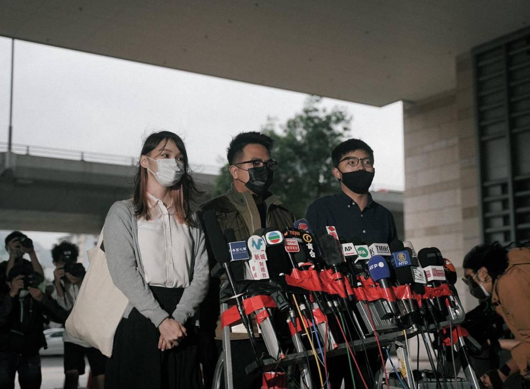 曾被港媒譽為「改變時代的新青年」 如今…黃之鋒等三人遭押、下周宣判