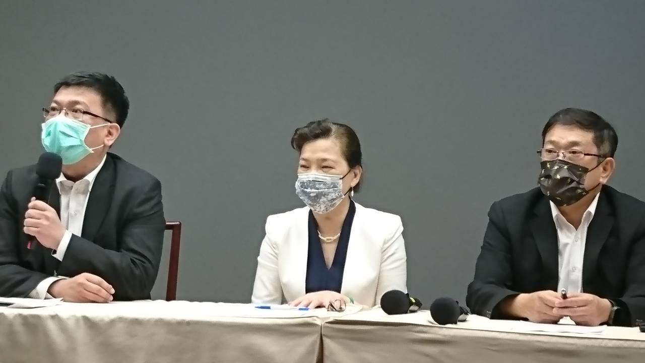 全台大停電》晚間8點恢復正常供電 經長王美花率經部、台電官員向民眾致歉