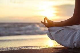 壓力大恐致頭痛、消化不良、大腦記憶衰退和疲勞!做運動、睡覺、瑜珈,有助釋放壓力