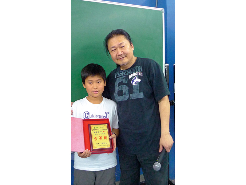 WMI世界邀請賽第一的台東囝仔蔡嘉峻是陳立的得意門生。