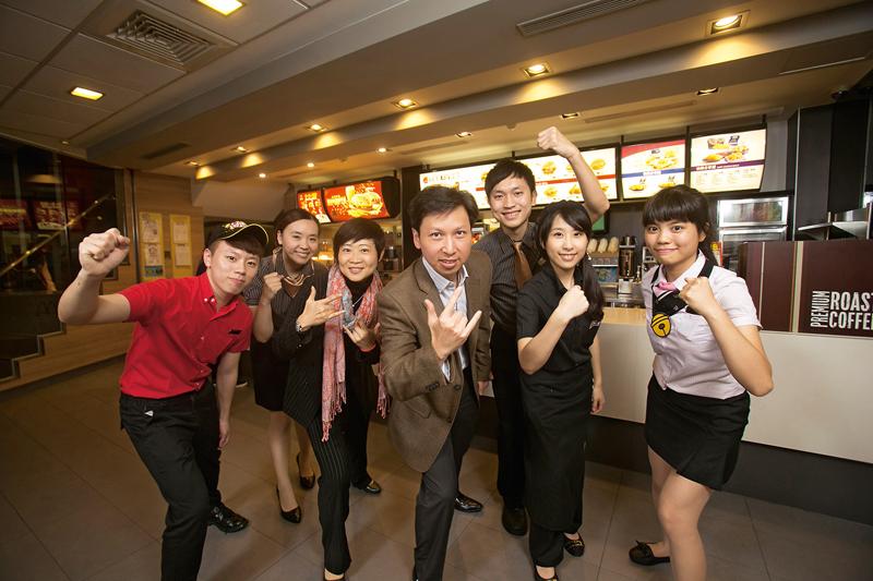 台灣麥當勞總裁陳文淵強調,年輕人是最給力的夥伴。