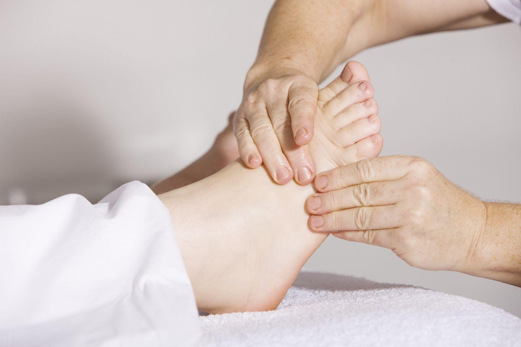 足底按摩改善血液循環!每天3分鐘這樣做,提升免疫力、延緩衰老