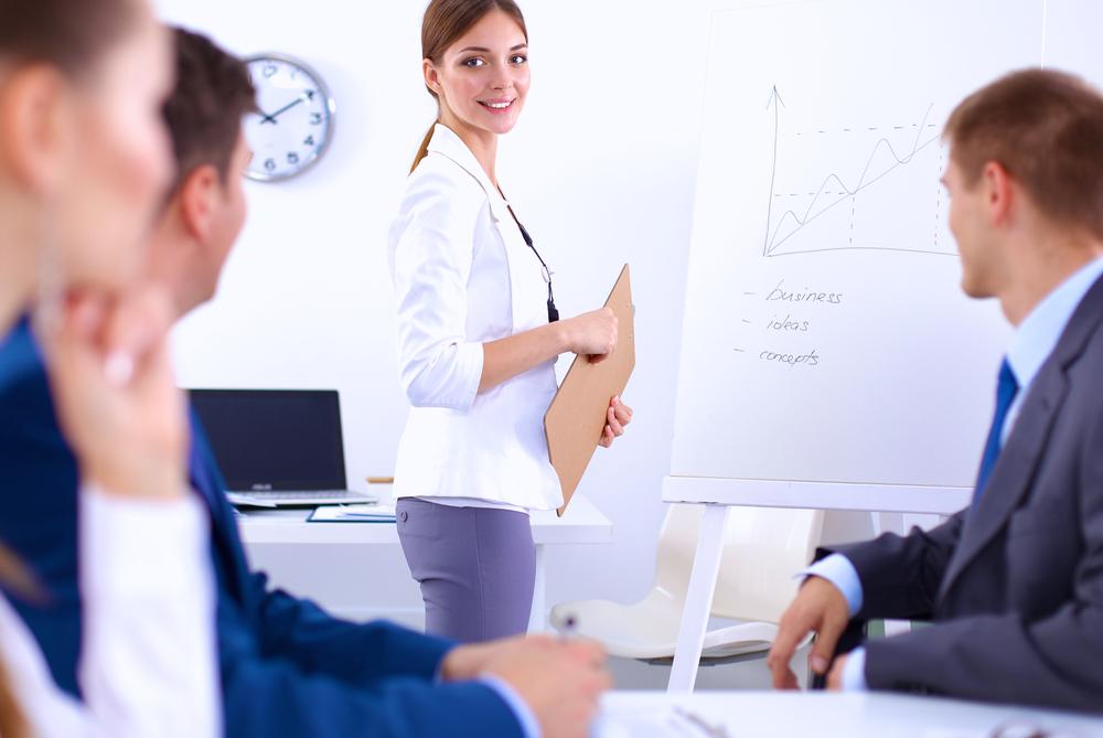 簡報別把「公司成長」的英文說成grow up!5個常混淆的職場單字