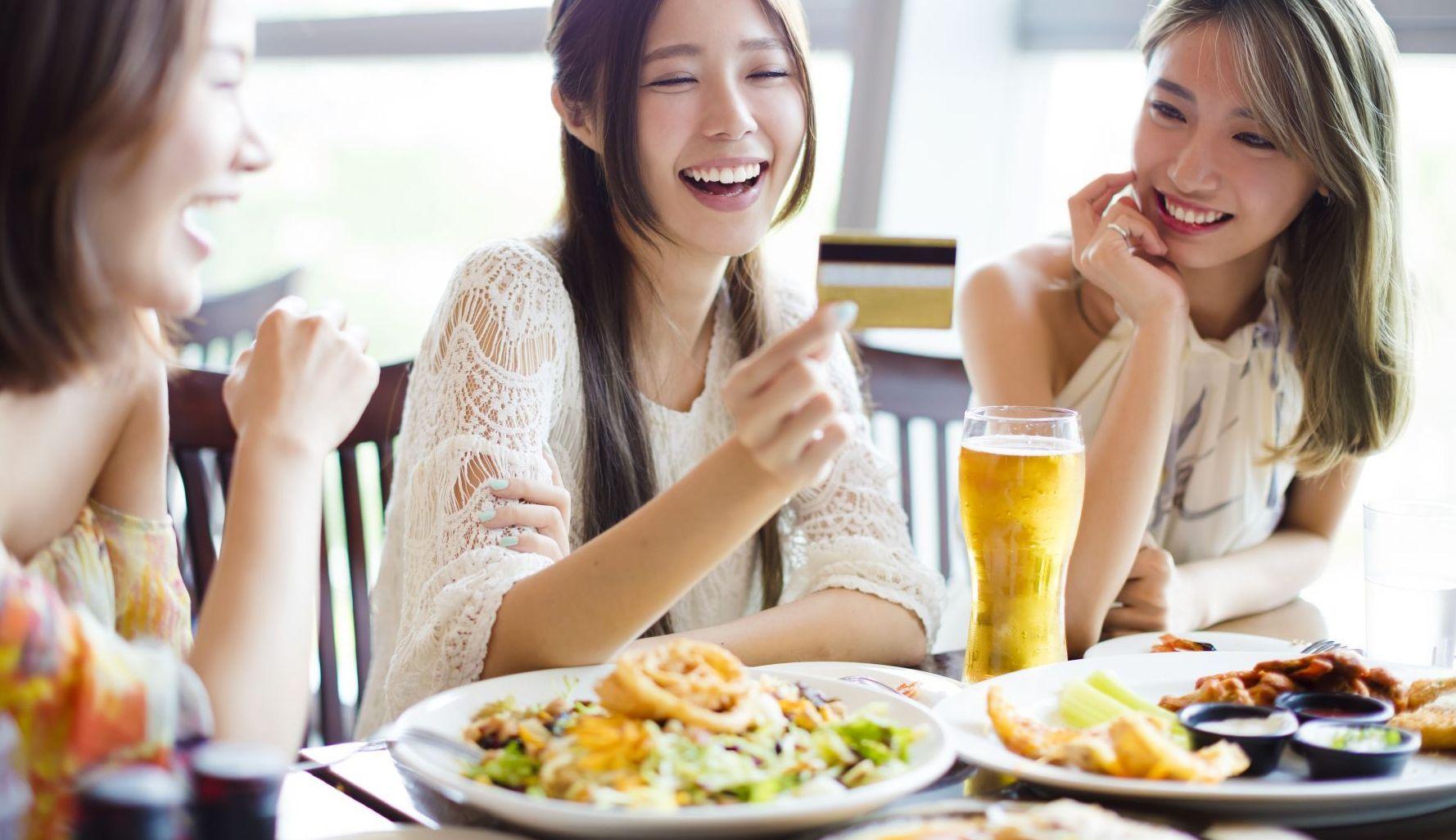 靠大胃王比賽就能名利雙收!你認為正確的人生態度是什麼?
