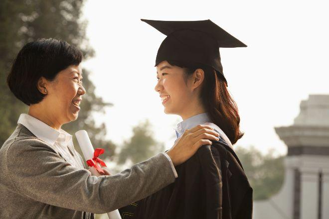 大陸、香港積極招生!臺灣高中生不只選校選系 現在還要選國?