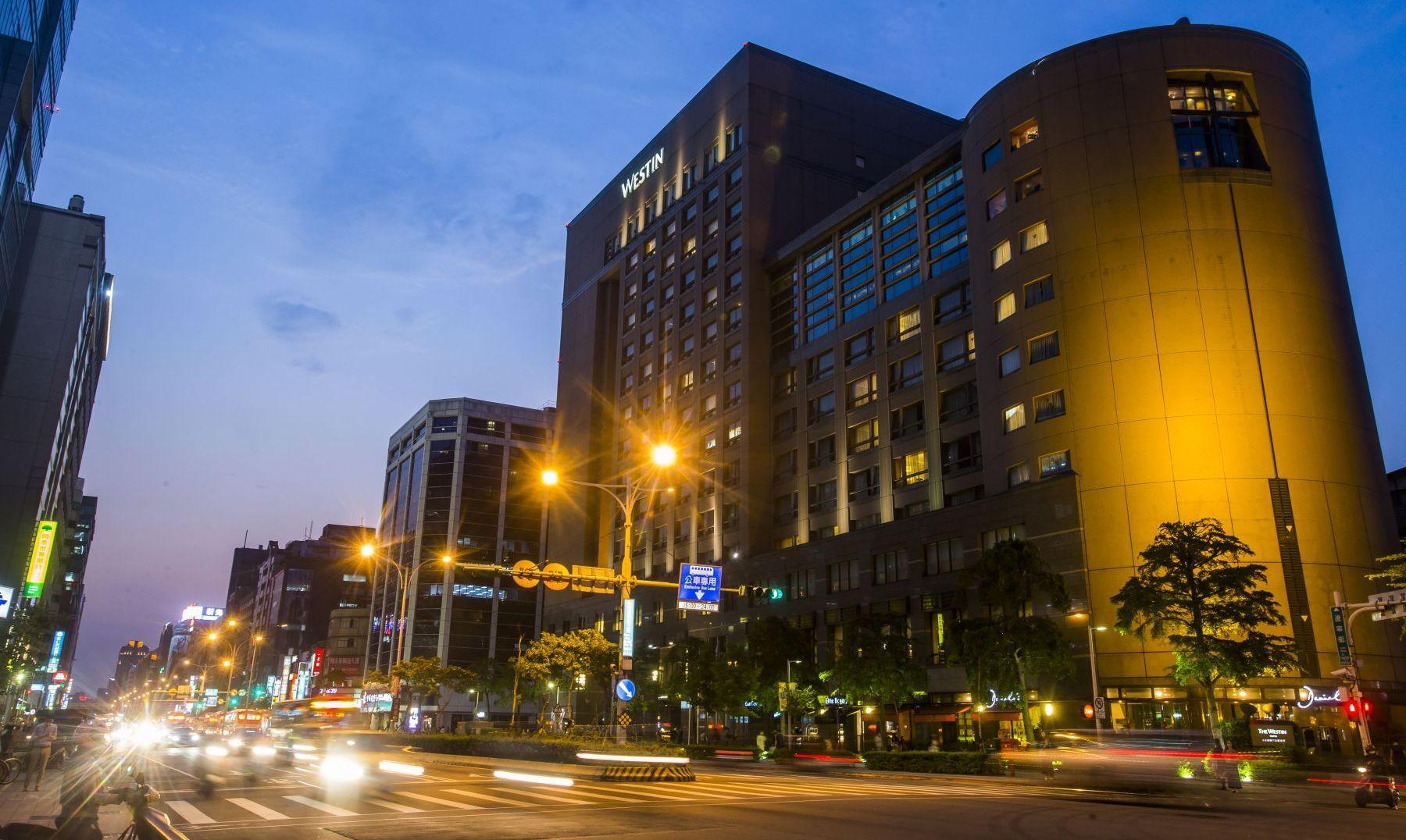 京華城要賣、六福皇宮結束營業!到底經營事業還是經營土地好?
