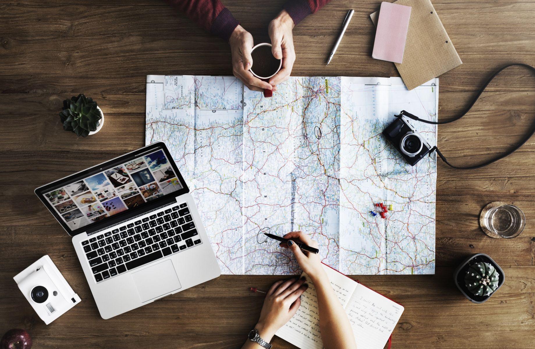 出國旅遊最怕迷路?快記下這幾句實用問路英文